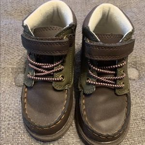 OshKosh toddler boots